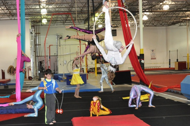 Lone Star Circus Performers May 5 2015 WFAA TV