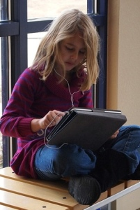 Little Girl with iPad Photo by Brad Flickinger Flickr